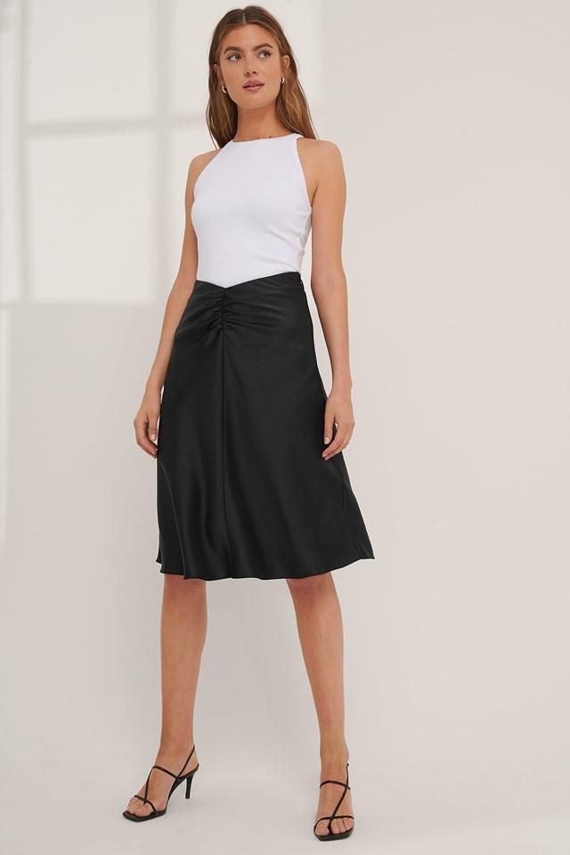 V-shaped Satin Skirt Black