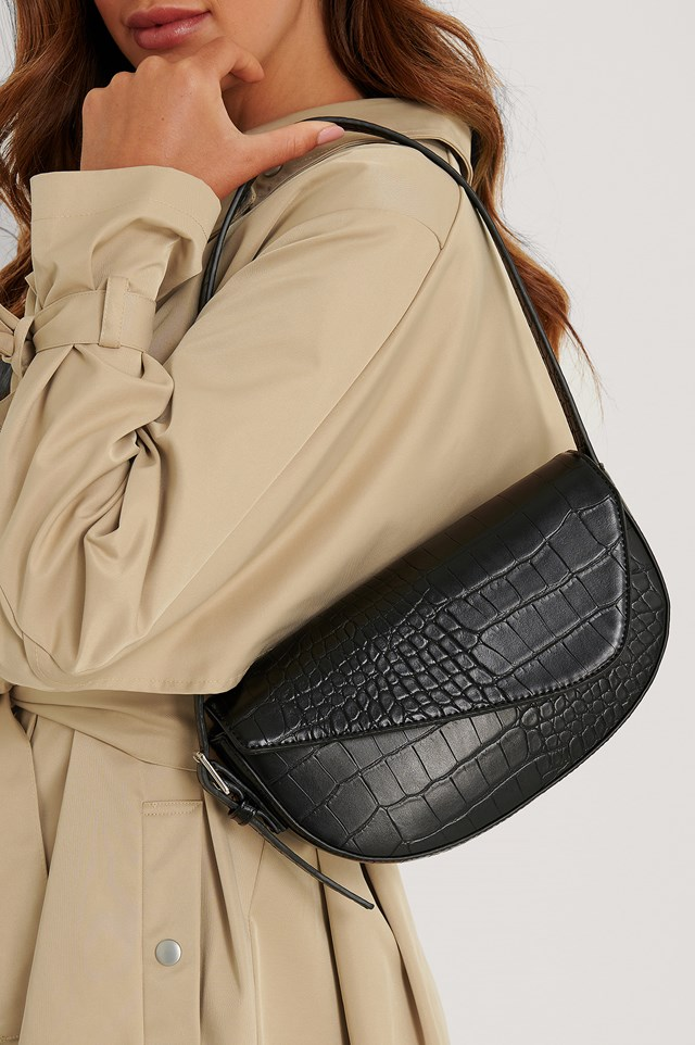 Asymmetric Saddle Shoulder Bag Black