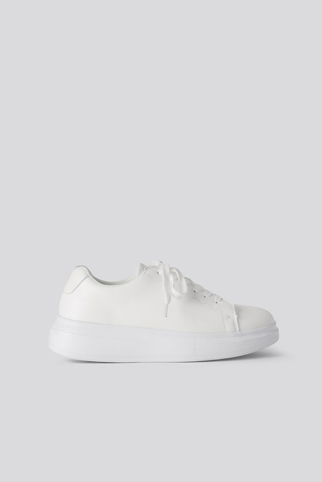 Basic Court Trainers Offwhite