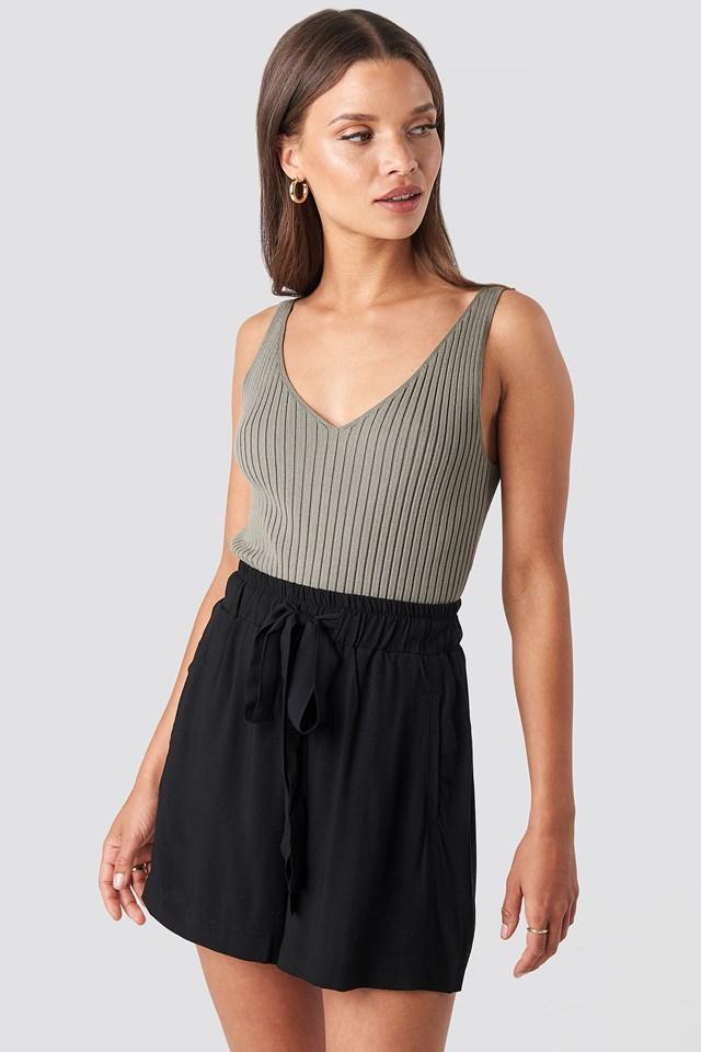 Belted Flowing Shorts Black