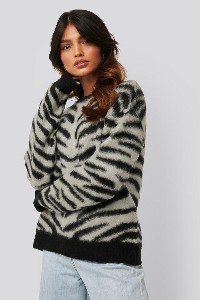 Brushed Zebra Knitted Sweater Grey/Black