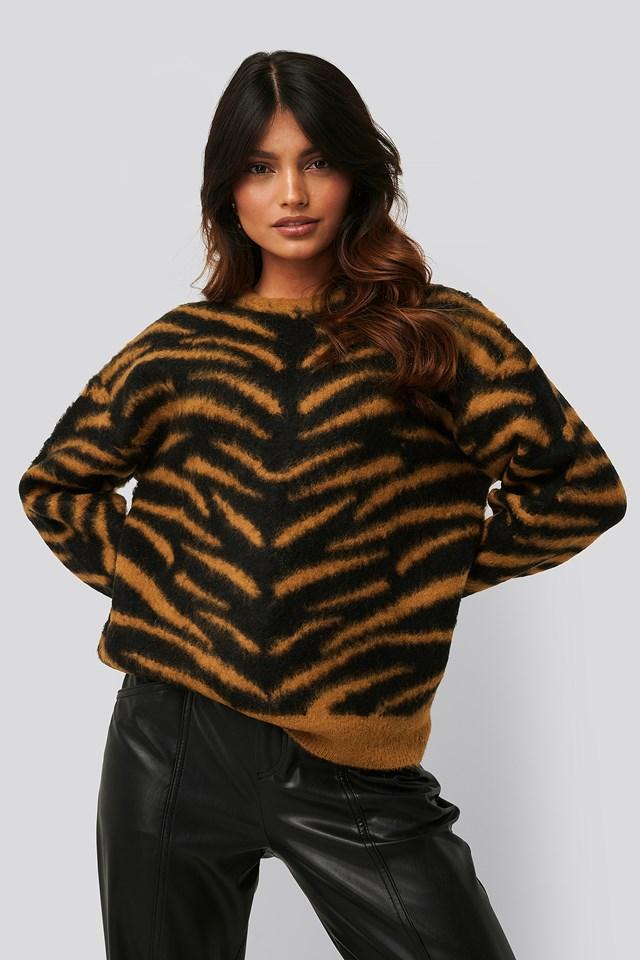 Brushed Zebra Knitted Sweater Black/Rust