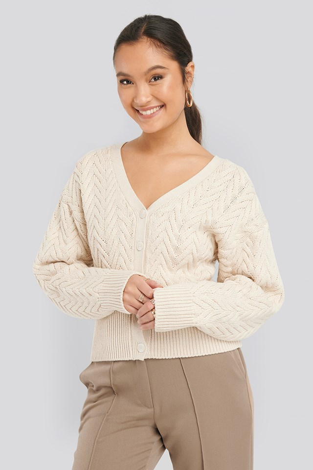 Cable Knitted Short Cardigan NA-KD