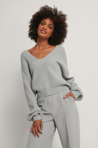 Light Grey Cropped Deep V-neck Knitted Sweater