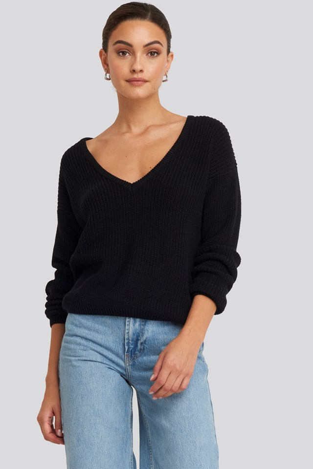 Deep Front V-neck Knitted Sweater Black