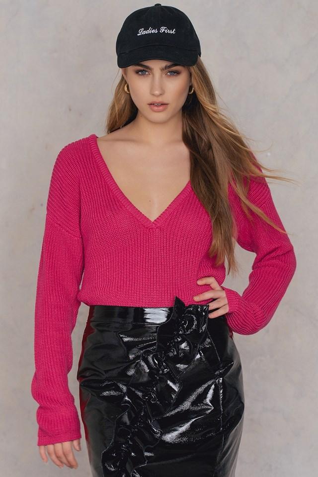 Deep V-neck Sweater Magenta