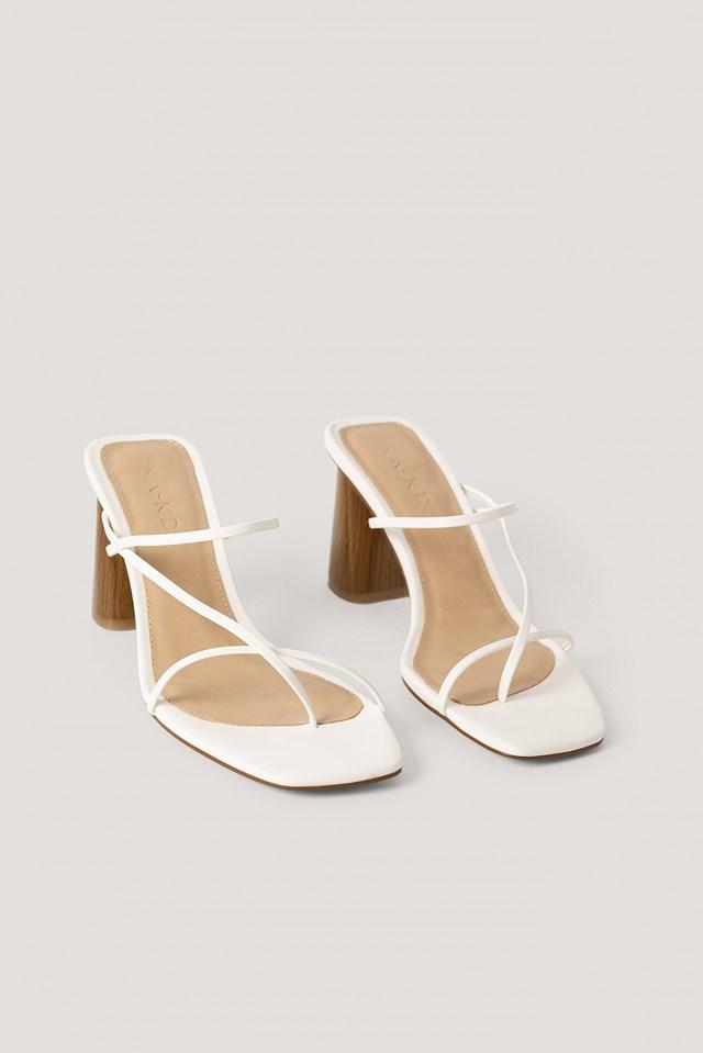 Fine Strappy Block Heel Sandals Offwhite