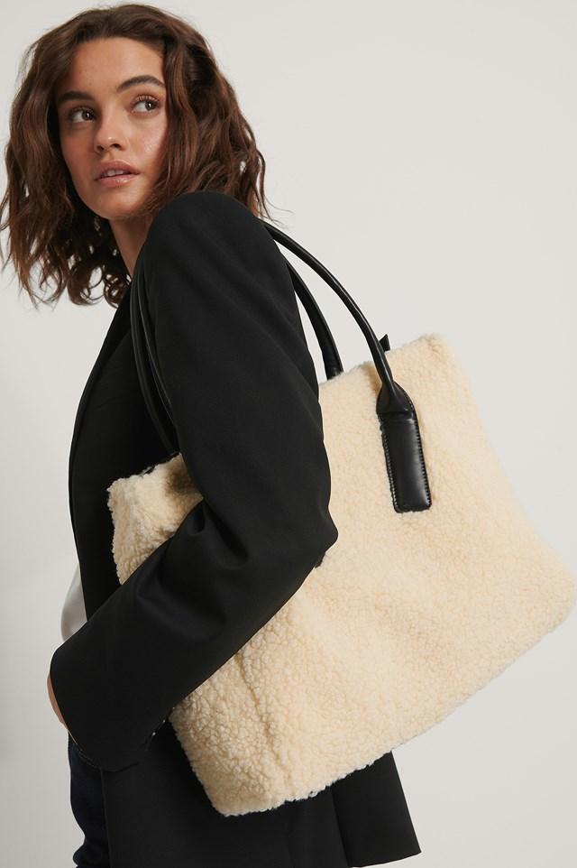 Fluffy Oversize Shopper Beige