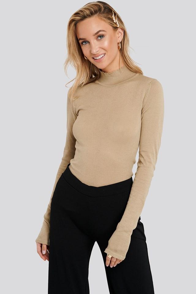 High Neck Light Knit Sweater Beige