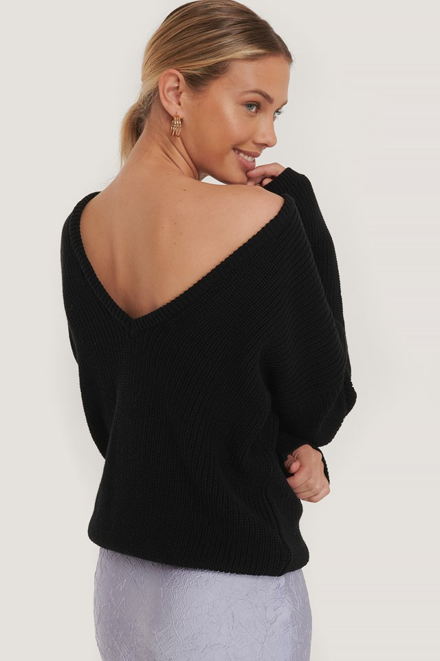 Knitted Deep V-neck Sweater Black