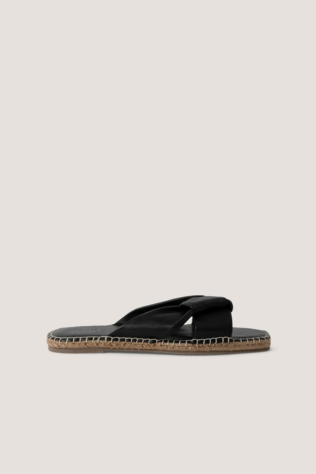 Leather Knotted Slippers Black