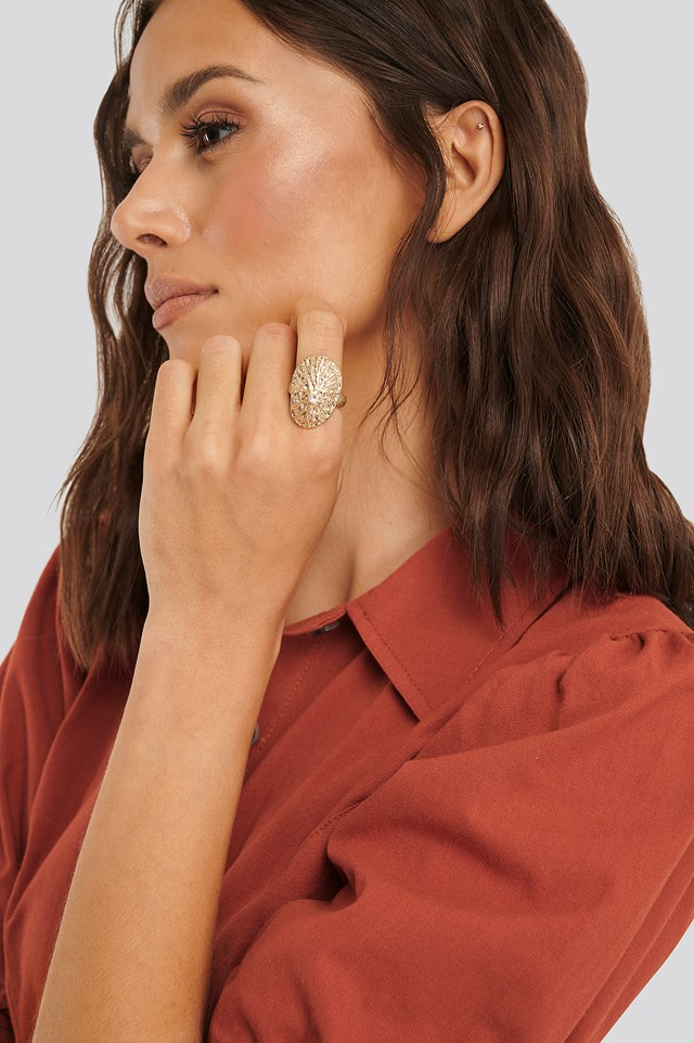 Gold Lepeta Shell Ring