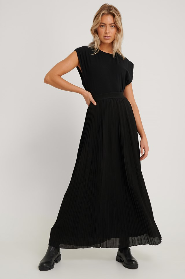 Maxi Pleated Skirt Black
