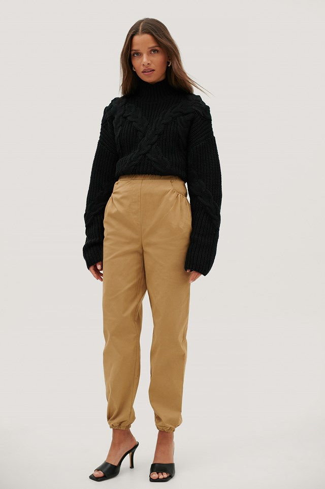 Ruched Pocket Chino Pants Beige