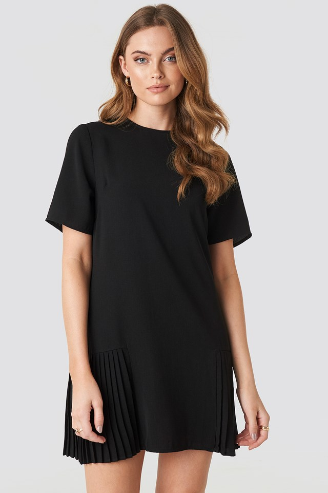 Pleated Detail Mini Dress Black