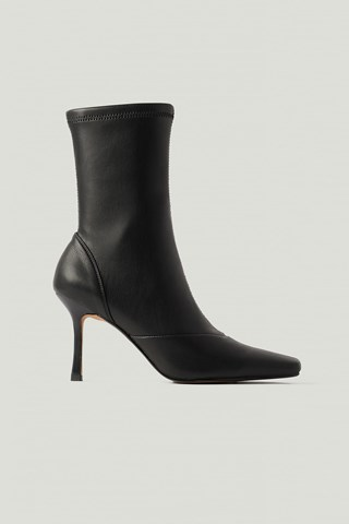 Black Pointy Hourglass Boots