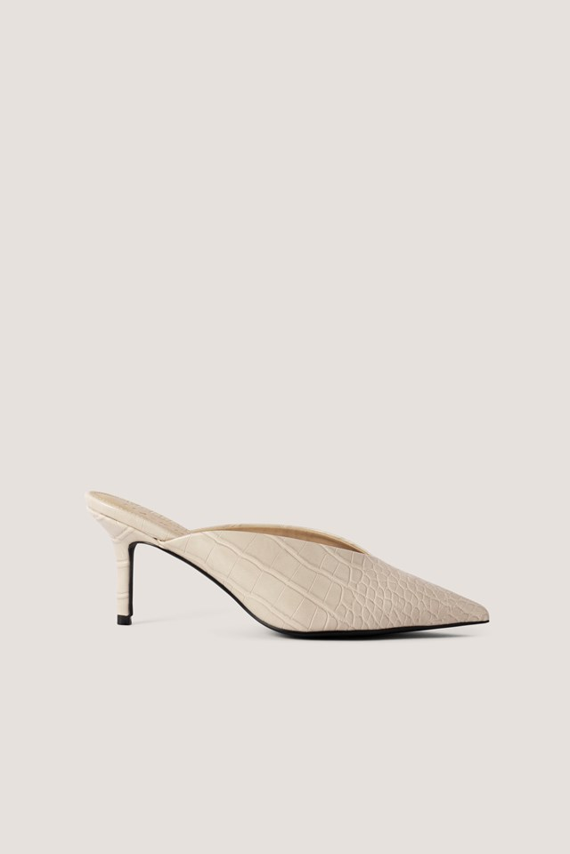 Pointy V-Cut Mules Nude