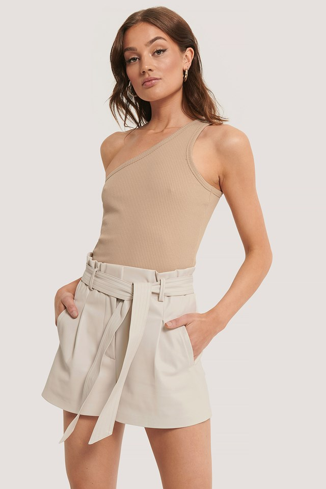 PU Belted Shorts Offwhite