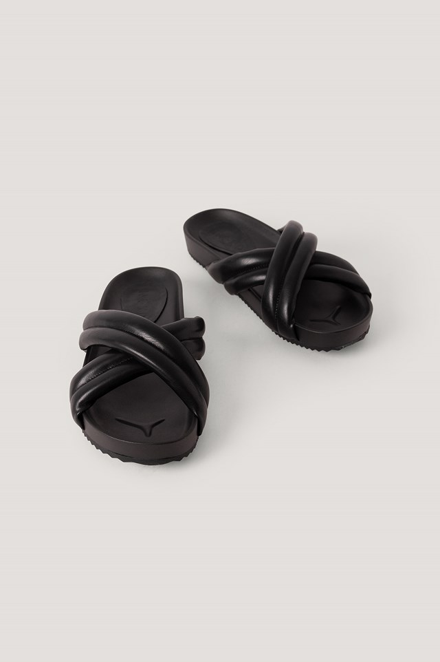 Puffy Crossed Slippers Black