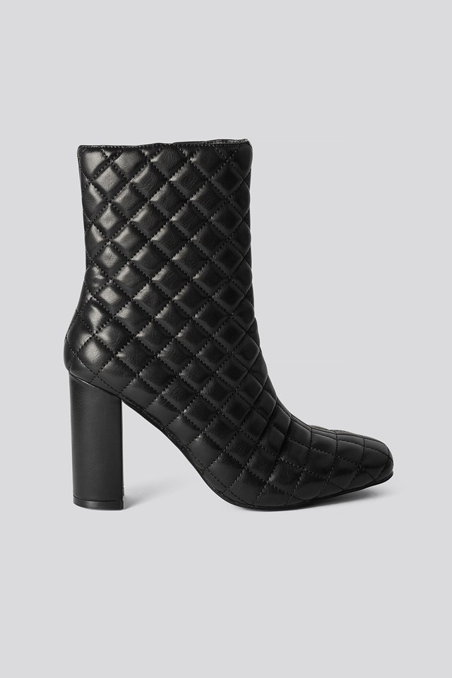 Quilted Squared Toe Boots Black