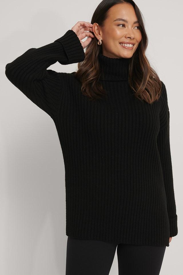 Ribbed Knitted Turtleneck Side Slit Sweater Black