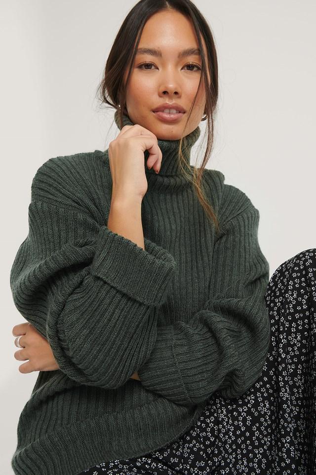 Ribbed Knitted Turtleneck Side Slit Sweater Dark Green