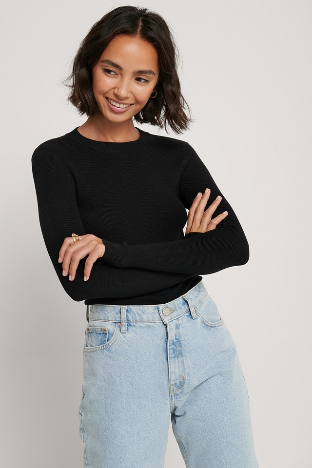 Ribbed Round Neck Knitted Sweater Black