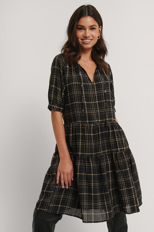 Ruffled V-Neck Mini Dress Black/Beige