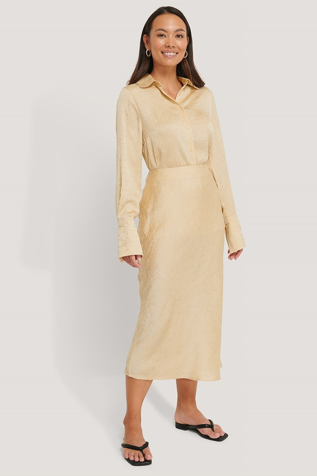 Satin Wrinkle Skirt Beige