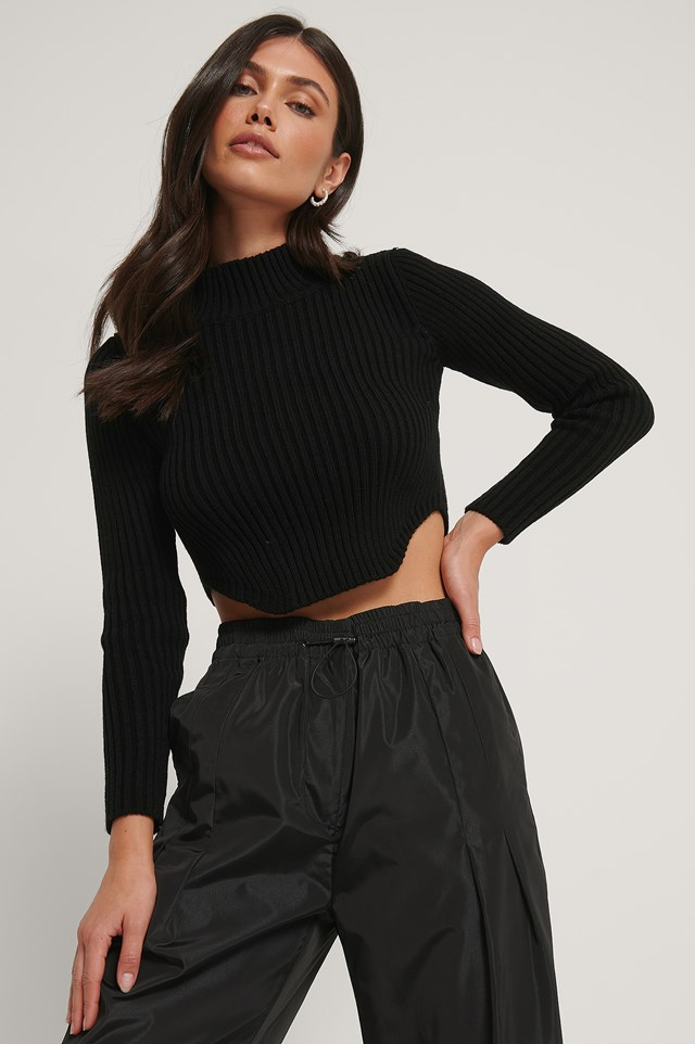 Short Knitted Ribbed Sweater Black