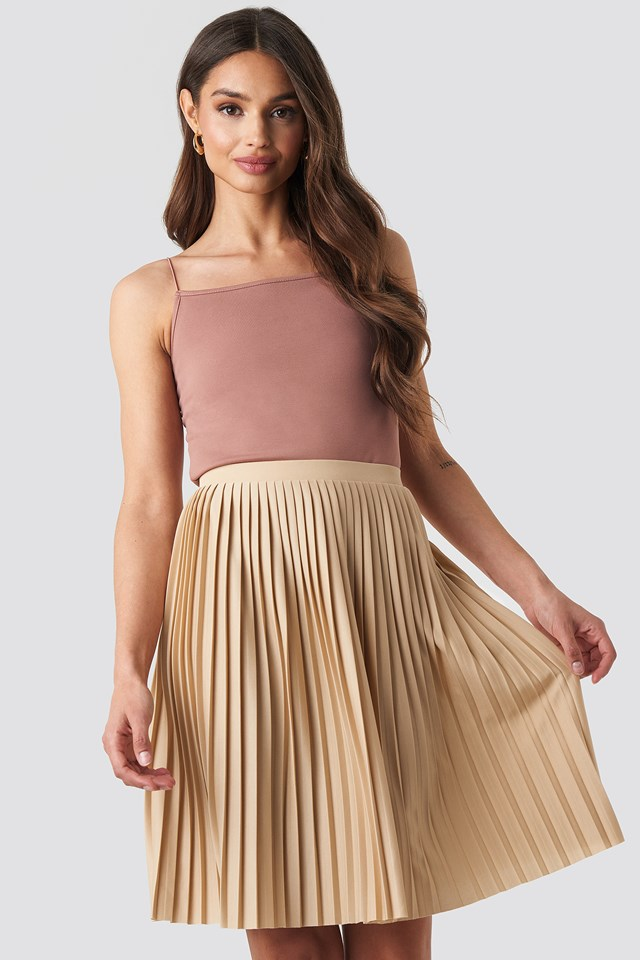 Short Pleated Skirt Beige
