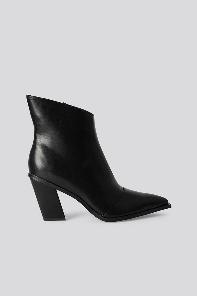 Slanted Heel Toe Detail Boots NA-KD Shoes