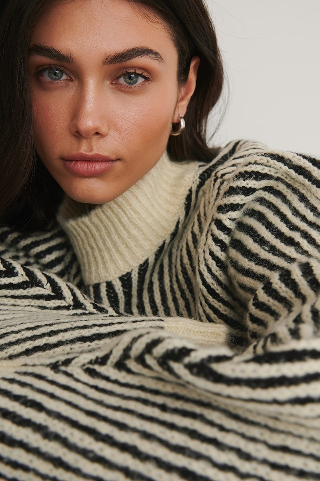 Sleeve Detail Striped Knitted Sweater Black/White