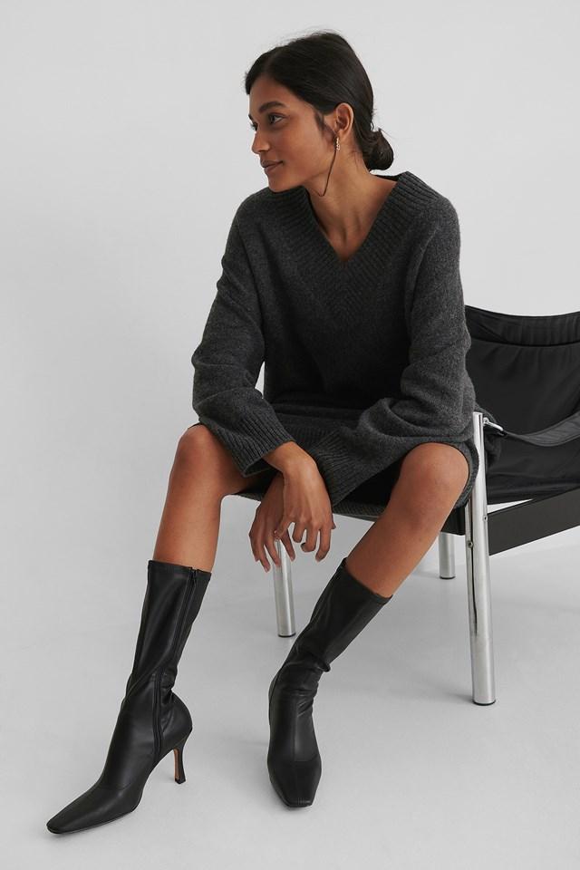 Slim Long Toe Boots Black