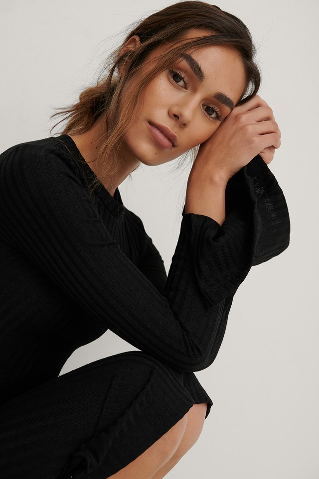 Slit Sleeve Top Black