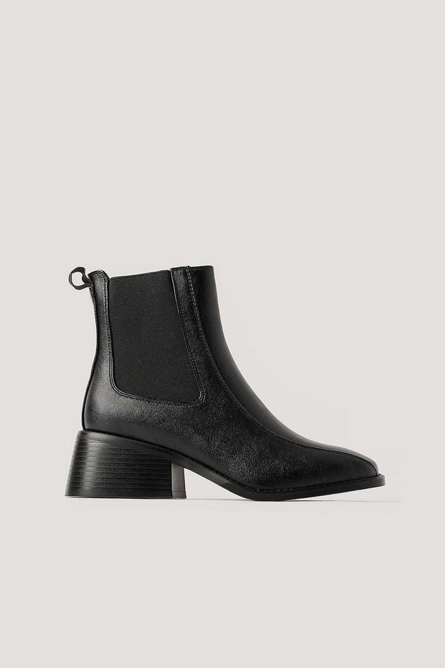 Squared Toe Chelsea Boots Black