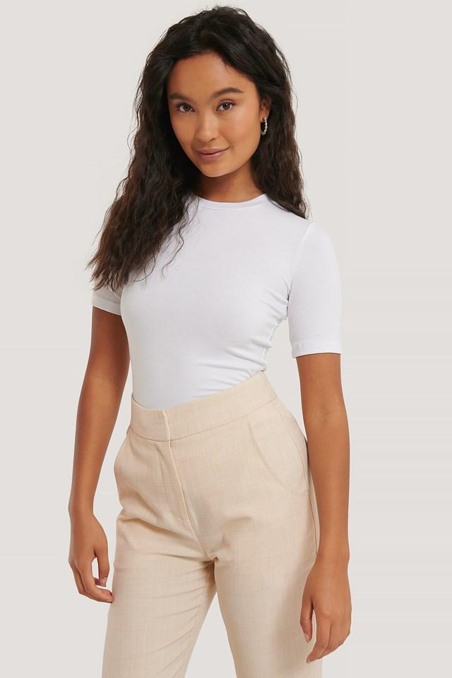 White Roundneck Tight Fit Basic T-Shirt
