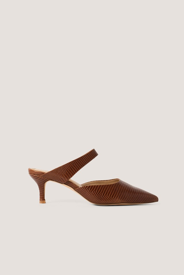 Strap Detail Pointy Pumps Brown