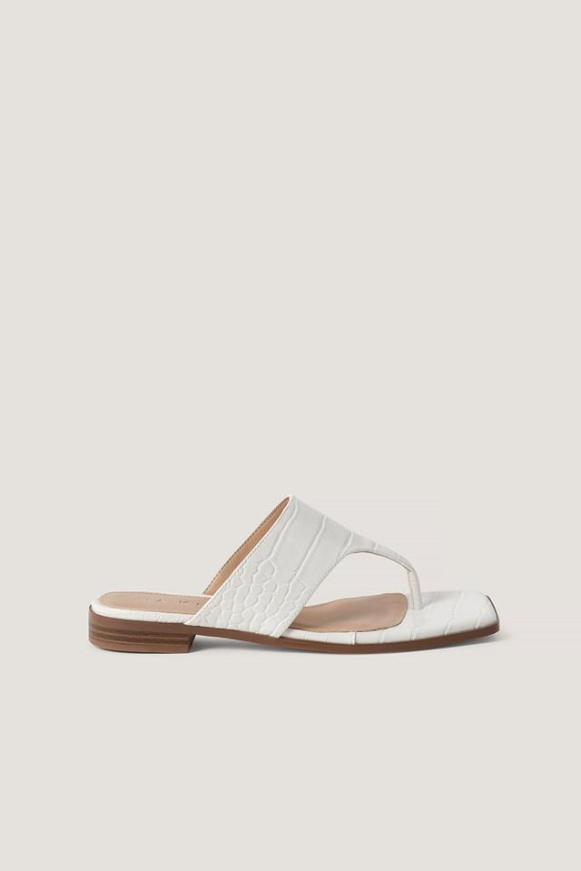 Toe Strap Flats White