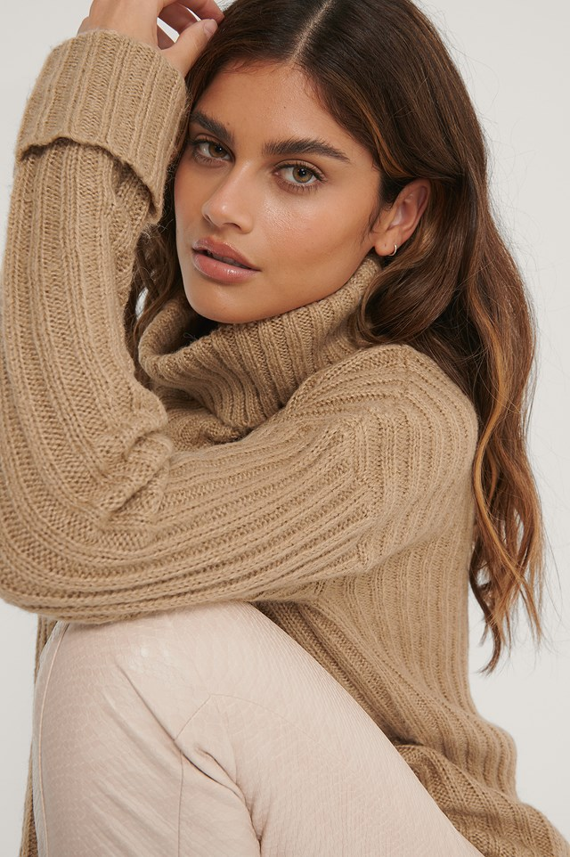 Turtleneck Ribbed Knitted Sweater Beige
