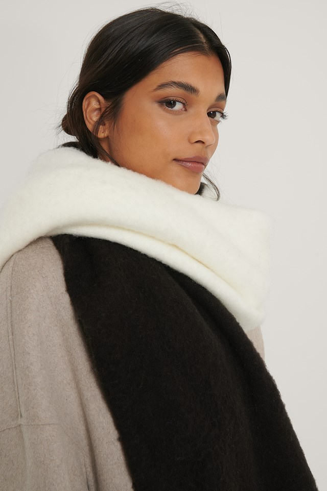 Two Toned Chunky Scarf Black/White