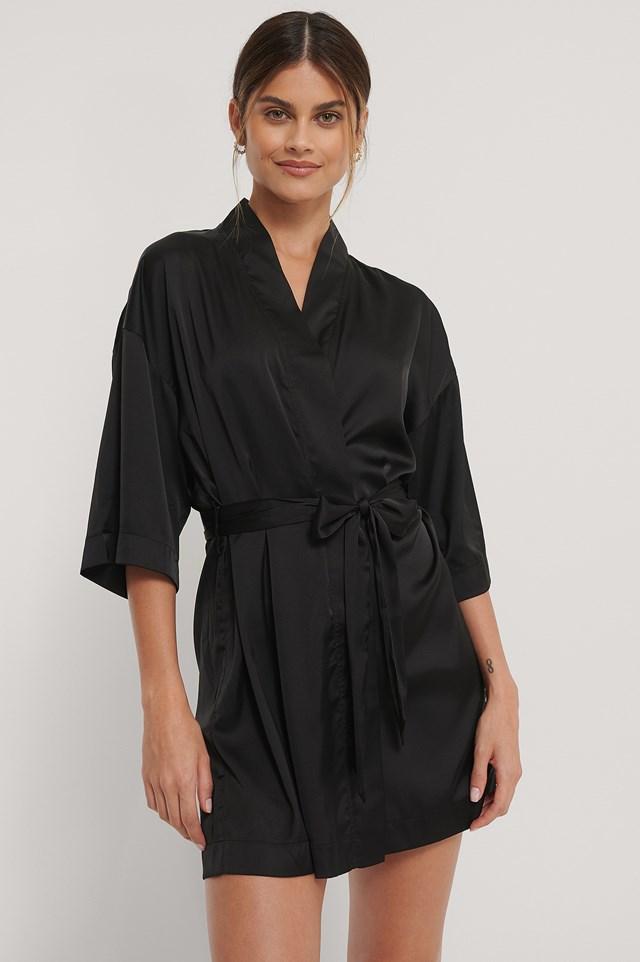 V-Cut Lace Kaftan Black
