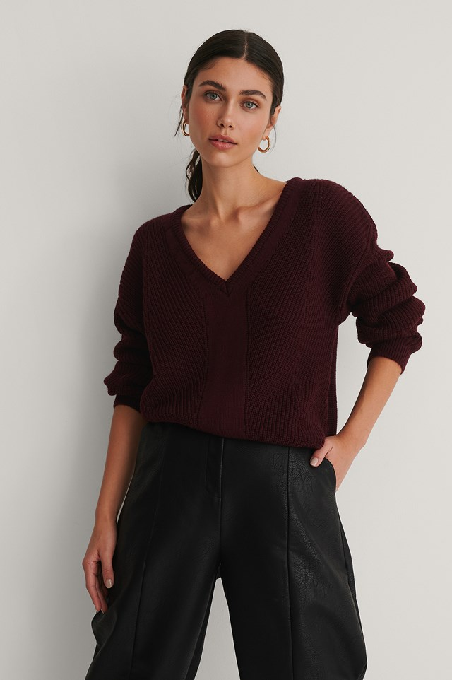 V-neck Knitted Sweater Bordeaux