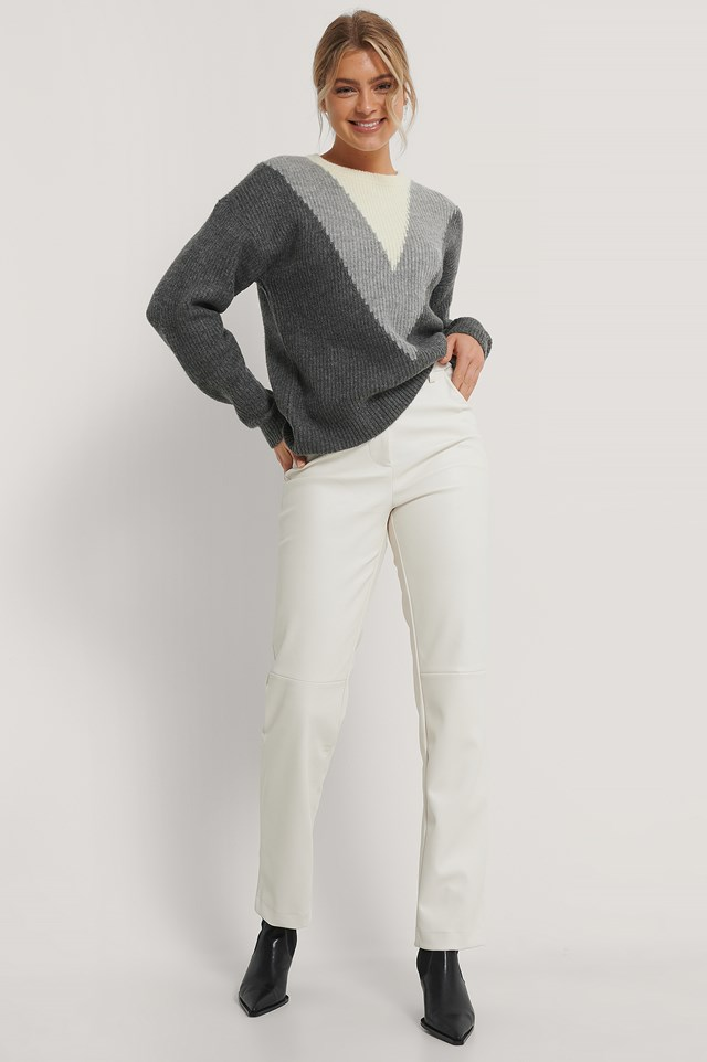 V Blocked Knitted Sweater Grey