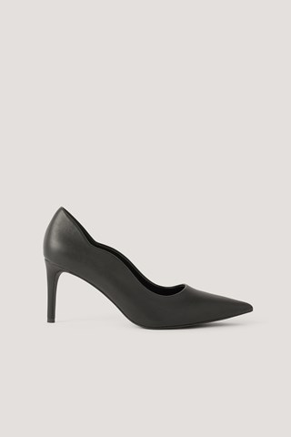 Black Wavy Edge Pumps