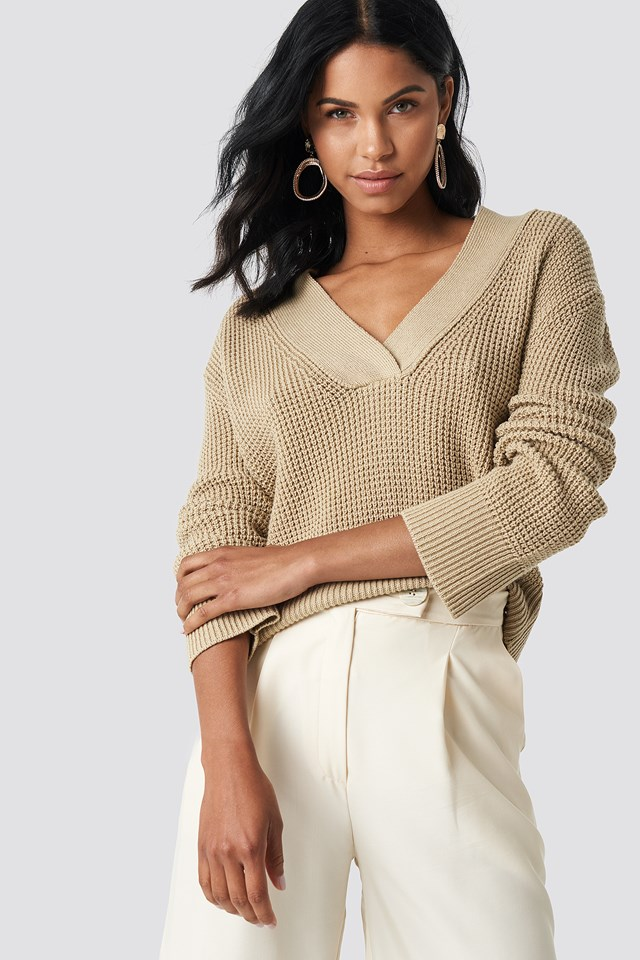 Wide Rib V-neck Knitted Sweater NA-KD