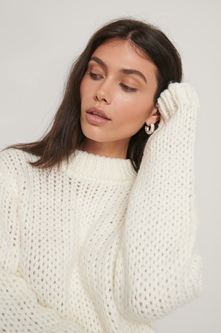 Offwhite Chunky Knit Round Neck Sweater