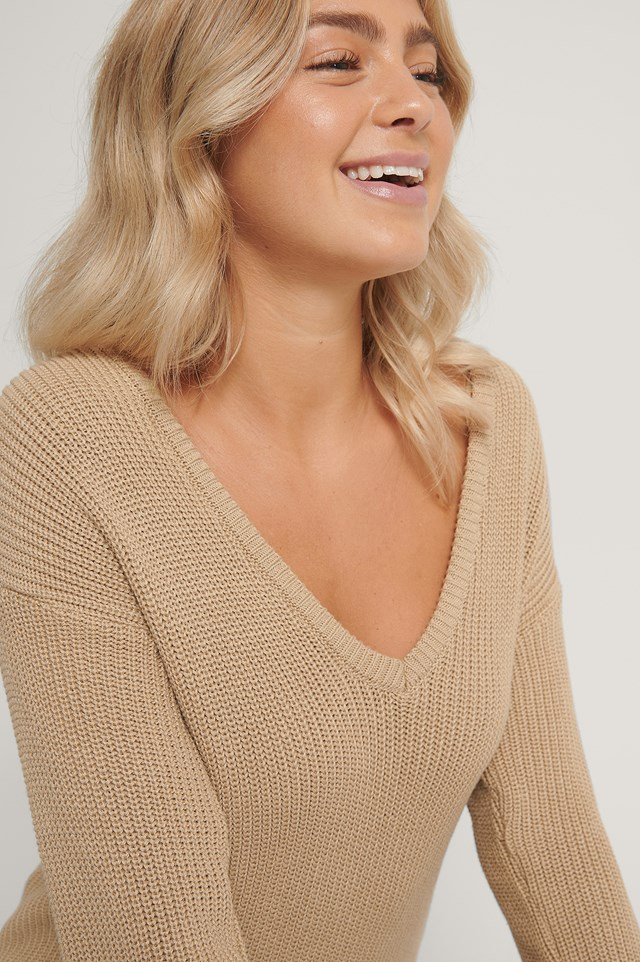 Deep Front V-neck Knitted Sweater NA-KD