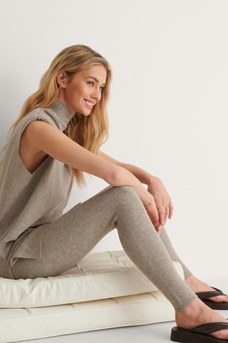 Beige Ribbed Knitted Leggings