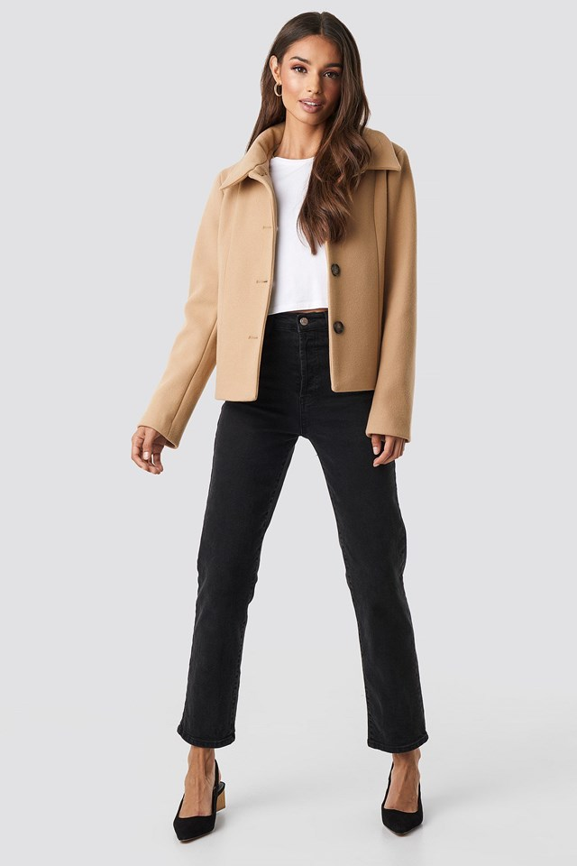 Tuva Short Coat Beige Outfit